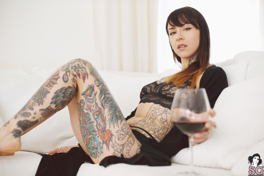 Pin Suicidegirl Gogo on Pinterest
